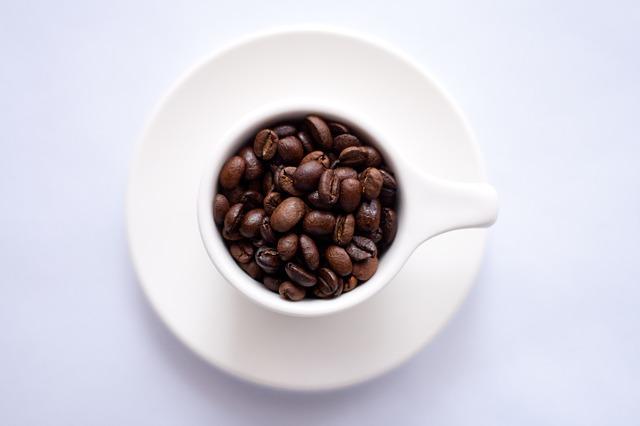 научиться рано вставать по утрам поможет кофе